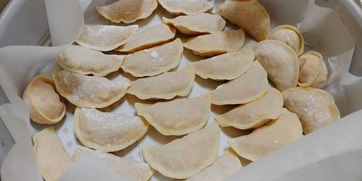 담백한 맛의 `닭가슴살` 김치 만두!
